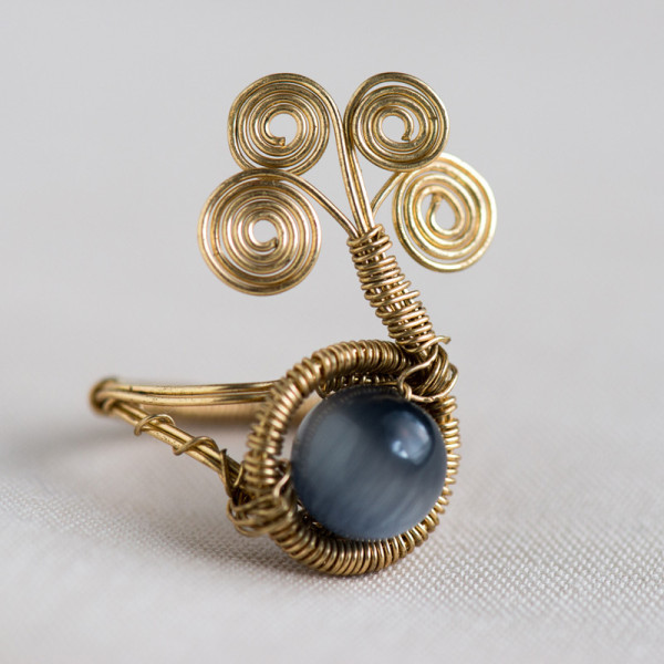 CW42_Gold Plated IMANI Ring with Blue Catseye