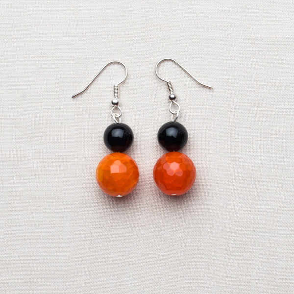 CW47_Silver Plated Orange and Purple Agate Earrings