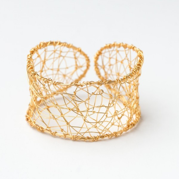 CWH12_Gold plated web collar bracelet