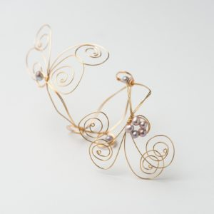 CWH23_Gold plated bracelet with lilac fresh water pearls (2)