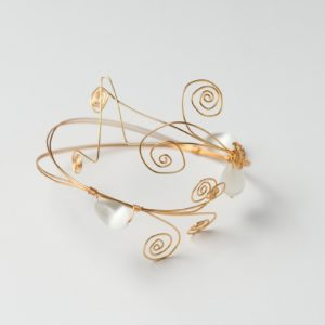 CWH24_Gold plated bracelet with white cats eye