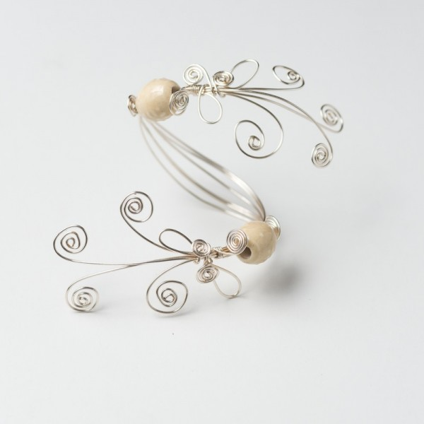 CWH25_Silver plated bracelet with white porcelain beads