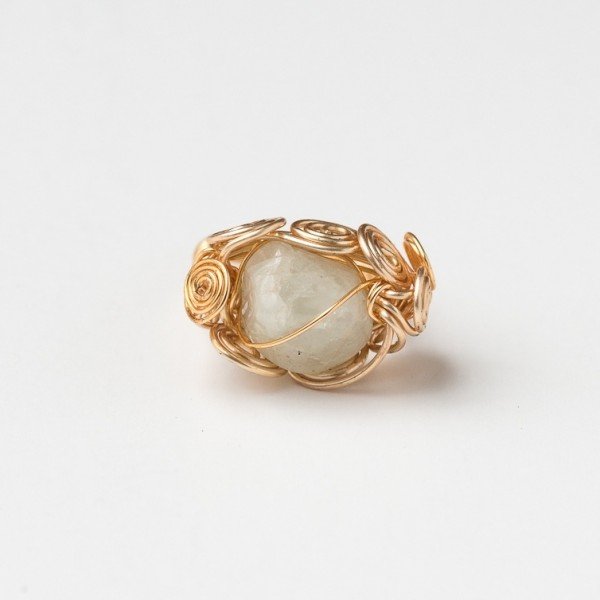 CWH3_Gold plated ring with glass beads