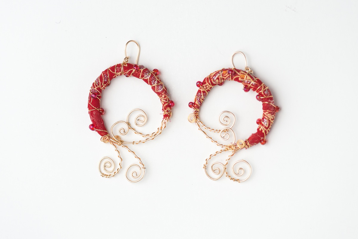 soutache earrings red preciosa pin with gold onix beads and toho